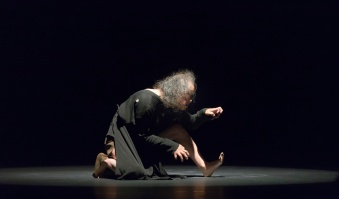 HA DÔ Butoh Dance Performance. Choreography: Tadashi Endo. Music: Daniel Maia. Photo: Maciej Rusinek